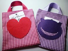 Craft: Alice In Wonderland Felt Party Bags
