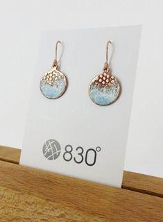 Enamel and Textured Copper Dangle Earrings Emaille und strukturiertes Kupfer baumeln Ohrringe Ceramic Jewelry, Enamel Jewelry, Copper Jewelry, Polymer Clay Jewelry, Wire Jewelry, Jewelry Art, Fashion Jewelry, Glass Jewelry, Diamond Jewelry
