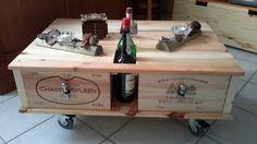 Table basse réalisée avec des caisses de vin