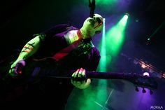 Punish Yourself, 2009-04-03 (File 7, Magny-le-Hongre, France).  #concert #live #fluo http://www.morka.fr