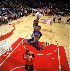 """Nate"" Robinson is the NBA's first slam dunk champion! Robinson is only 5 feet Love And Basketball, Basketball Legends, Basketball Players, Basketball Pictures, Spud Webb, Long Jump, High Jump, Slam Dunk, Vertical Jump Workout"