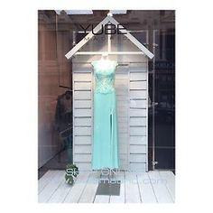 Spring weddings! #yubegirls #yubemadrid #weddings #cocktaildresses #foreverunique #yubewindows #salesas #shopping #style #instafashion #love #loveisintheair #beauty