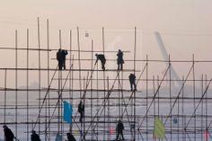 building a bamboo scaffold
