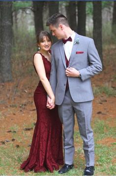 2020 Collection of Prom Suits and Prom Tuxedos are Live Now. Grab your latest outfit for Prom event with reasonable price at Angel Jackets. Prom Pictures Couples, Homecoming Pictures, Prom Couples, Prom Photos, Prom Pics, Teen Couples, Maternity Pictures, Roses Photography, Prom Photography Poses