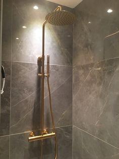 Bathroom Spa, Bathroom Toilets, Bathroom Interior, Home Pictures, House Rooms, Bathroom Inspiration, Home Renovation, Door Handles, Home Goods
