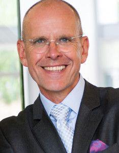 """Mike Dierssen ist heute einer der gefragtesten Verkaufs- und Motivationstrainer Deutschlands. Er ist """"der Verkaufsmotivator"""" und seit 30 Jahren  mit Begeisterung im Dienstleistungsbereich und im Verkauf tätig. Während seiner beruflichen Laufbahn hat er weit über 15.000 Geschäftsabschlüsse getätigt. Mike Dierssen ist Buchautor und seit 25 Jahren erfolgreicher Unternehmer."""