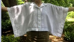 Learn how to sew minimalist tops for summer from fabric square with this tutorial from Threads Magazine digital ambassador Becky Fulgoni. Summer Shirts, Summer Tops, Plus Size Sewing Patterns, Pdf Patterns, Underwear Pattern, Sewing Blouses, Pajama Pattern, Layered Fashion, Advanced Style