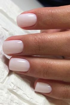 summer 2020 hair color trends Off White Nude Nails - Nude Nails sind der ultimative Standard-Look fr alle. - Off White Nude Nails Nude Nails sind der ultimative Standard-Look fr alle. Wir lieben diese C - Nagellack Design, Nagellack Trends, Nude Nails, White Nails, White Nail Polish, White Manicure, White Short Nails, Short Round Nails, Milky Nails