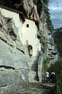 EREMO DI SAN COLOMBANO - Rovereto TRENTO Trieste, Mount Rushmore, Europe, San, Mountains, Future, Travel, Colombia, Future Tense