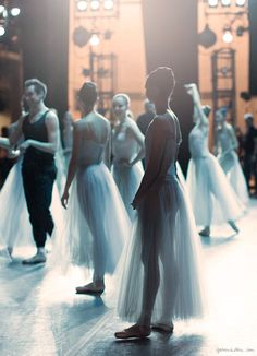 New York City Ballet, warm up, backstage, dancers / Garance Doré