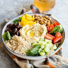 Mediterranean Buddha Bowl 2019 This easy Mediterranean Buddha Bowl is full of colorful veggies nutritious quinoa and roasted chickpeas. Top with hummus for an epic power lunch! The post Mediterranean Buddha Bowl 2019 appeared first on Lunch Diy. Plats Healthy, Clean Eating, Healthy Eating, Dinner Healthy, Dinner Bowls, Mediterranean Diet Recipes, Mediterranean Bowls, Breakfast Bowls, Breakfast Recipes