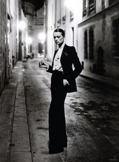 The 'Le Smoking' suit shot by Helmut Newton for Paris Vogue, 1975 | Courtesy of The Coincidental Dandy/Flickr