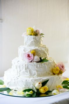 Country Wedding Cake from rusticweddigchic.com