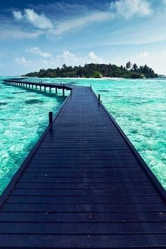 The path to paradise.   Islas de la Bahia, Honduras.
