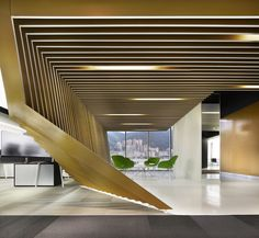 In colaboration with the German Studio M2R, ARQUINT co-designed and built the new offices in Bogotá.