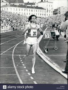 feb-29-2012-sebastian-coe-breaks-the-world-1000-metres-world-record-E13B1G.jpg (1051×1390)