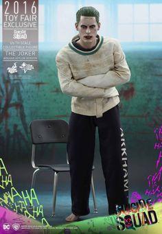 Hot Toys Suicide Squad Joker figure revealed: The scale collectible figure of The Joker as portrayed by Academy Award winner Jared Leto. Harley Quinn Et Le Joker, Le Joker Batman, Joker Arkham, Batman Comics, Dc Comics, Jared Leto Joker, Comic Book Heroes, Comic Books, Suicide Squad