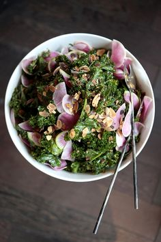 The kind of kale salad we crave the day after a heavy dinner.