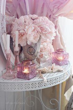 nelly vintage home: Soft pink  interior decor