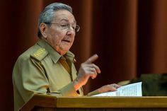 """La Habana, 11 feb (EFE).- La biografía autorizada """"Raúl Castro, un hombre en Revolución"""", del escritor ruso Nikolái Leónov, fue el libro más vendido y demandado por los lectores en Cuba durante el pasado año, lo que le valió el Gran Premio del Lector 2016 que se otorga durante la Feria del"""