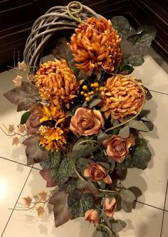 Grave Flowers, Funeral Flowers, Diy Flowers, Fall Lanterns, Lanterns Decor, Funeral Arrangements, Flower Arrangements, Grave Decorations, Autumn Wreaths