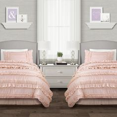 Lush Decor sells a variety of stylish Twin XL dorm room comforter sets for college students, such as the Belle Comforter Set Back To Campus Dorm Room Bedding online. Twin Xl Bedding, Queen Comforter Sets, Bedding Sets, King Comforter, Twin Girl Bedrooms, Girls Bedroom, Bedroom Decor, Twin Bedroom Ideas, Master Bedrooms