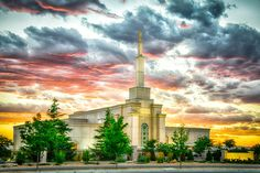 Albuquerque New Mexico Temple – Stand Upright - LDS Temple Pictures Mormon Temples, Lds Temples, Beautiful Buildings, Beautiful Places, Beautiful Pictures, Lds Temple Pictures, Lds Art, Albuquerque News, Lds Mormon