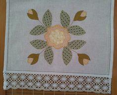 pano de copa no canhamo com aplicação, ponto ajur e ponto horizontal...  www.paperoh.blogspot.com
