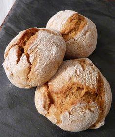 Délices aux pays des olives : recettes du sud, Portugaises, Italiennes et d'ailleurs: Broinhas de natal (petits pains sucrés portugais a...