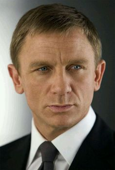 Daniel Craig and the sexy look ❤️❤️