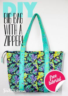 Sewing this bag is easy - and it has a zippered top! Let me show you how to sew a big beautiful bag from my free Sew Easy Big Tote Bag Tutorial - and add an easy zipper at the top! Purse Patterns Free, Bag Patterns To Sew, Tote Pattern, Easy Tote Bag Pattern Free, Wallet Pattern, Quilted Purse Patterns, Handbag Patterns, Pattern Sewing, Big Tote Bags