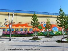 Graffiti und Weltgrößte Wandbild in Lichtenberg ~ Berlin du bist Wunderbar-unbekannte Orte | Street art | Urbex