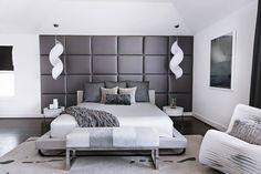Chic residence designed by Contour Interior Design, located in Houston, Texas, United States. Interior Design Usa, Famous Interior Designers, Interior Design Elements, Interior Design Companies, Home Interior, Exterior Design, Bedroom Styles, Bedroom Designs, Luxury Furniture