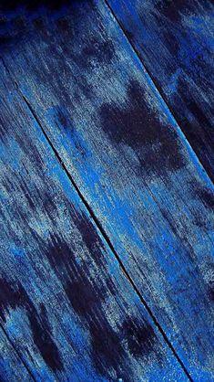 Texture of Wood blue - The iPhone Wallpapers Azul Indigo, Bleu Indigo, Pull Bleu Marine, Le Grand Bleu, Everything Is Blue, Blue Wood, Blue Tones, Turquoise, Blue Aesthetic