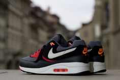 "Nike Air Max Light ""Black Pine"""