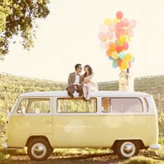 4 Disney themed engagement photo sessions: Up, Lady and the Tramp, Toontown, and Alice in Wonderland. These are so cute!