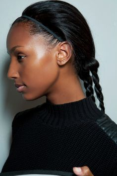 These easy greasy hair hairstyles conceal oily roots, making them good for early school mornings, hot days, post-gym or whenever you don't have time to wash your hair. Simple Wedding Hairstyles, Summer Hairstyles, Cool Hairstyles, Hairstyle Ideas, Greasy Hair Hairstyles, Braided Hairstyles, Beauty Skin, Hair Beauty, Braids For Long Hair