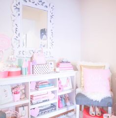 How To Make Your Workspace Girly   J'adore Lexie Couture