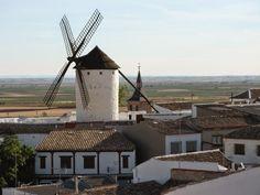 Un oraș frumos din Castilla la Mancha. Campo de Criptana (Ciudad Real)