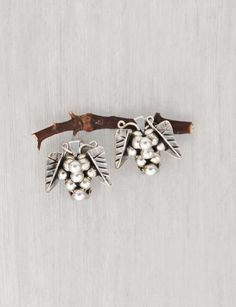 Vintage Sterling Silver Grape Cluster Earrings - 925 Taxco Mexico silver ball fruit clip ons - wine lover gift idea by CuriosityCabinet on Etsy Cluster Earrings, Clip On Earrings, Gifts For Wine Lovers, Vintage Earrings, Vintage Shops, My Etsy Shop, Mexico, Buy And Sell, Hair Accessories