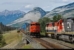 RailPictures.Net Photo: CN 2439 Canadian National Railway GE C40-8M (Dash 8-40CM) at Jasper, Alberta, Canada by Tim Stevens