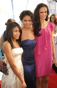 Kimberly Elise and daughters