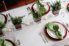6 Simple Christmas Table Ideas (Perfect for Last Minute!) - Finding Home