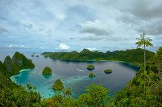 Wayag islands, Raja Ampat, West Papua - a must see place in the eastern part of Indonesia