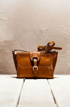 Torbe on Pinterest | Leather Shoulder Bags, Leather Clutch and ...