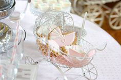 My Baby Shower: Pink, White and Roses!