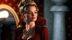Pin for Later: Look Wickedly Beautiful in These Once Upon a Time Halloween Costumes Red Queen, Season 1