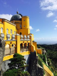 5 Days in Portugal Itinerary: Lisbon, Sintra, and Porto - The Globetrotting Teacher Road Trip Europe, Europe Travel Guide, Travel Destinations, Portugal Travel, Spain And Portugal, Sintra Portugal, Best Places To Travel, Cool Places To Visit, Algarve