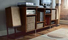 Modern retro. A flatscreen HDTV with a vintage Hi-Fi featuring classic Dynaco A-25 loudspeakers.