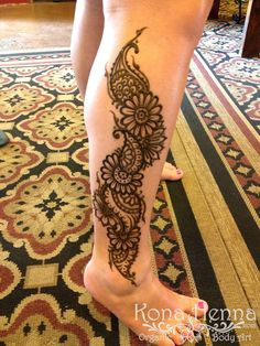 Kona Henna Studio - Paisley Flower Leg on @salemmcbee Love this Chick!!!